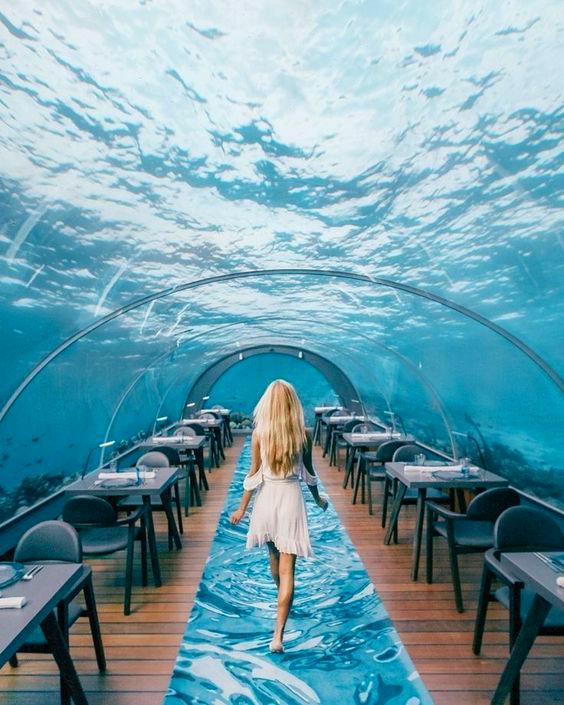 Подводный ресторан - еще одно место, где можно сделать красивое фото